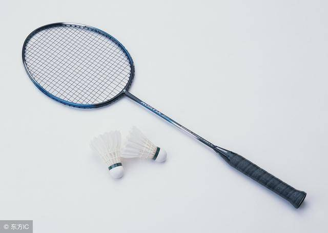 如何选择羽毛球拍,初学者如何选择羽毛球拍插图(1)