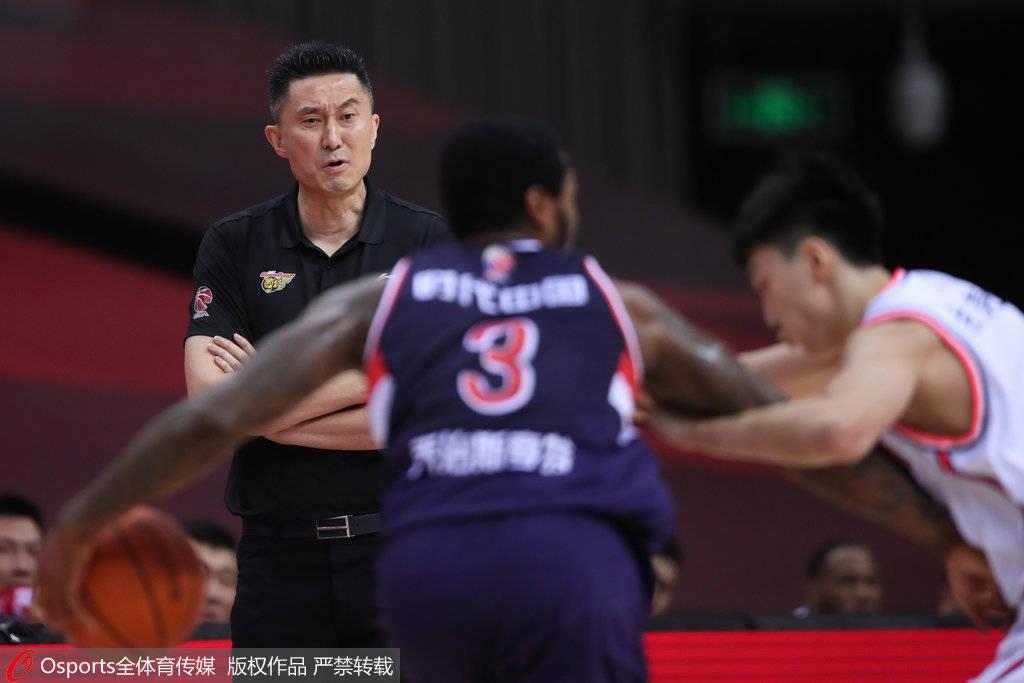 场场大胜仍想叫小科比回来 广东还嫌自己不够强?