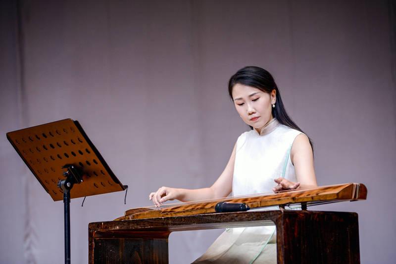 学古琴多少钱一节课?学古琴的最佳年龄