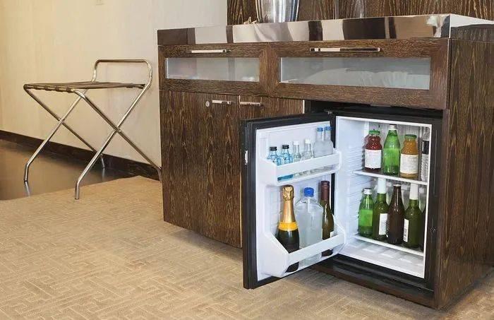 冰箱插电压缩机没反应,为什么冰箱开机压缩机不工作