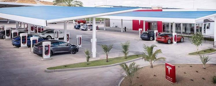 56个充电桩 特斯拉部署全球最大超充站
