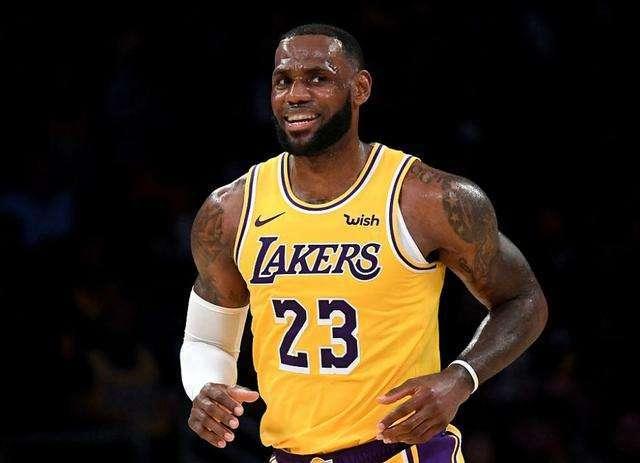 过去十年的詹姆斯有多强?库里杜兰特都是流星,而他定义了NBA