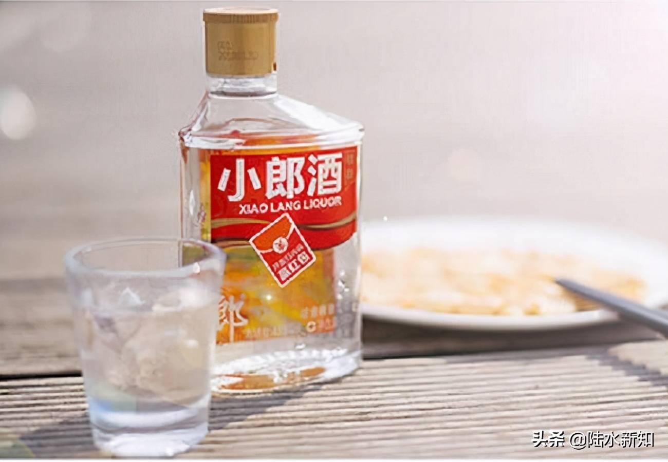 """每到年底,我国消费市场都会迎来""""高峰"""",白酒作为快消商品之一插图(1)"""