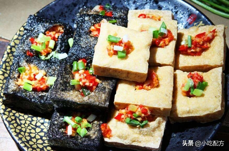 臭豆腐一个月能挣多少(臭豆腐的配方是什么呢)