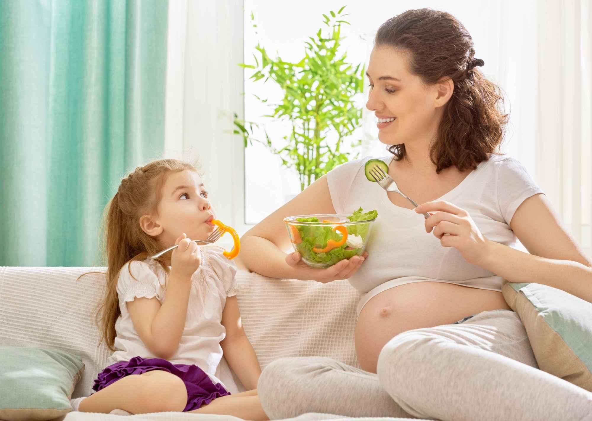胎儿饿了 孕妈有俩明显感觉 及时补对营养 以防发育跟不上-家庭网