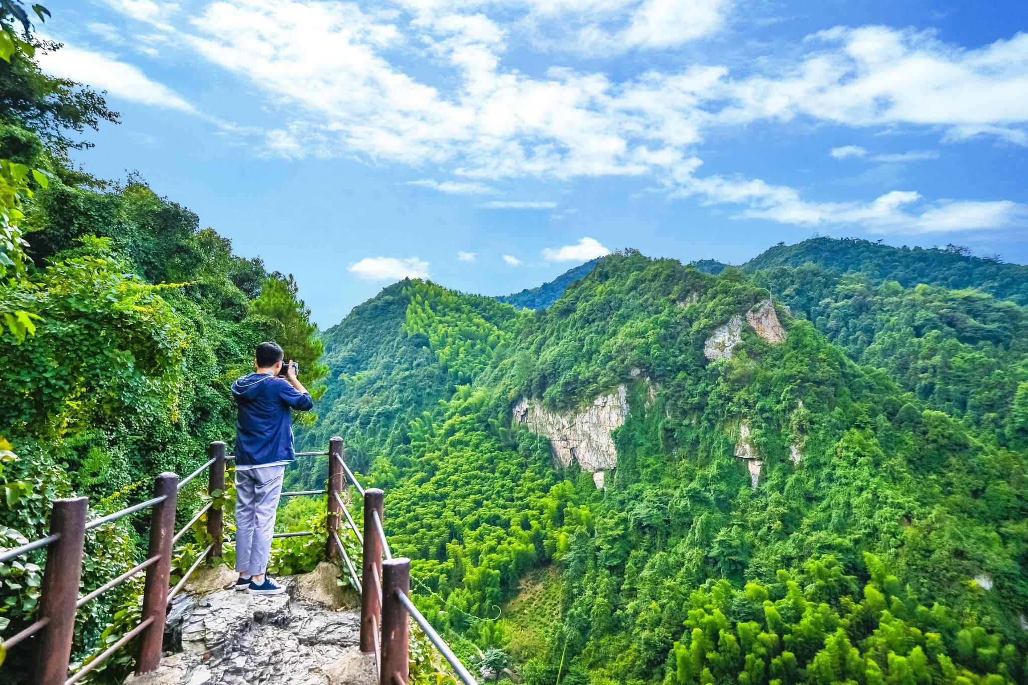 深藏安徽的大裂谷,群山环绕进出只有一条小道,外界人一般不知道