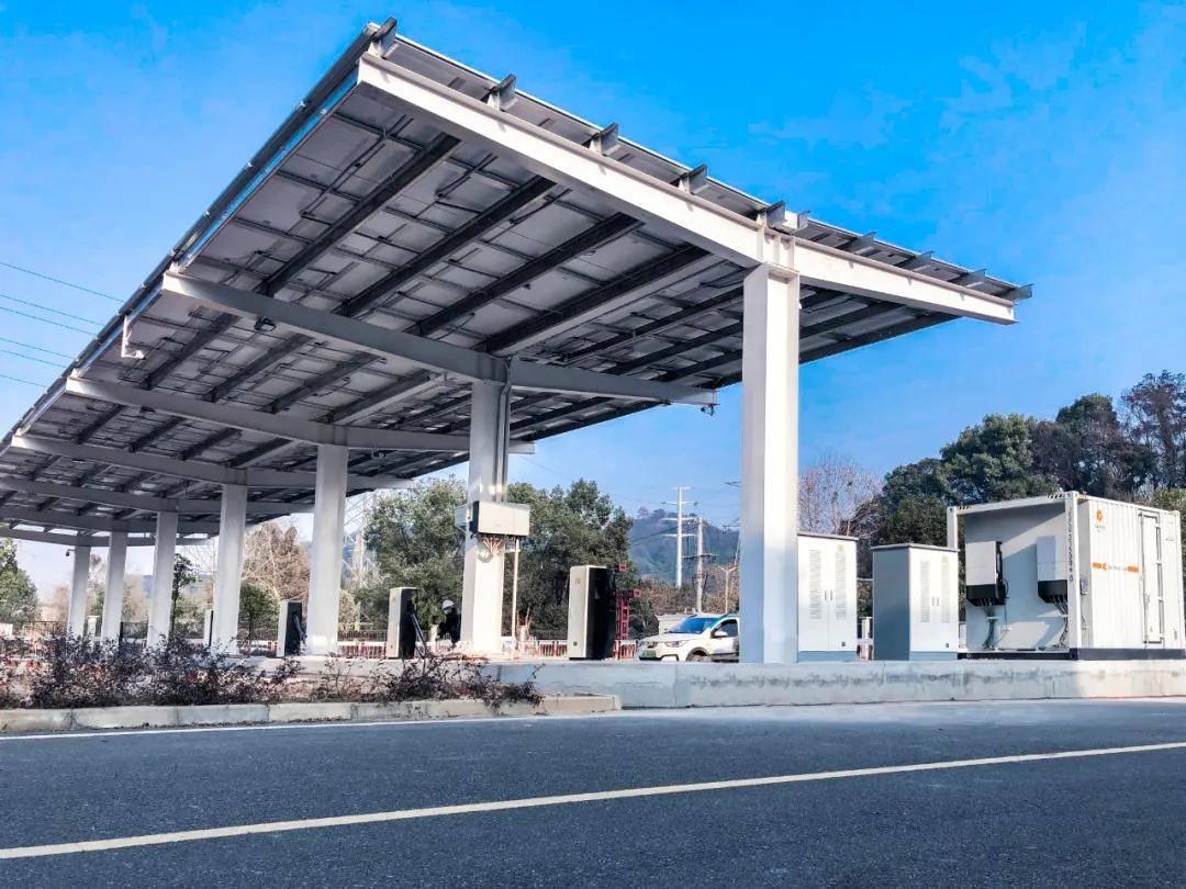 明星充电led光存储充电一体化充电站成功上线