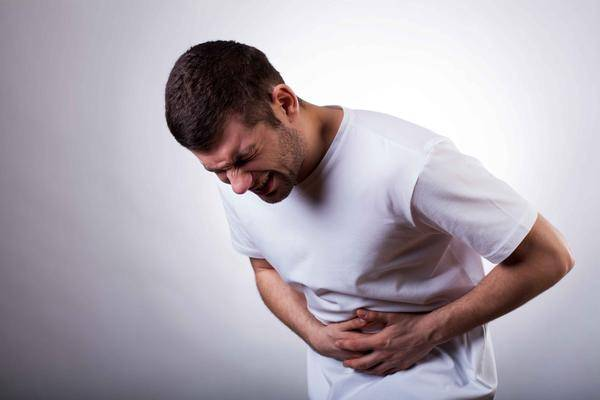 体内有癌,腹部通常会发生4个异常改变,若你也有,别不当回事!