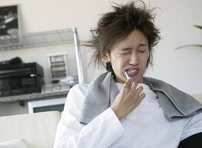 经常晨起一根烟的人,出现这3种表现,很有可能是身体不愿意吸了