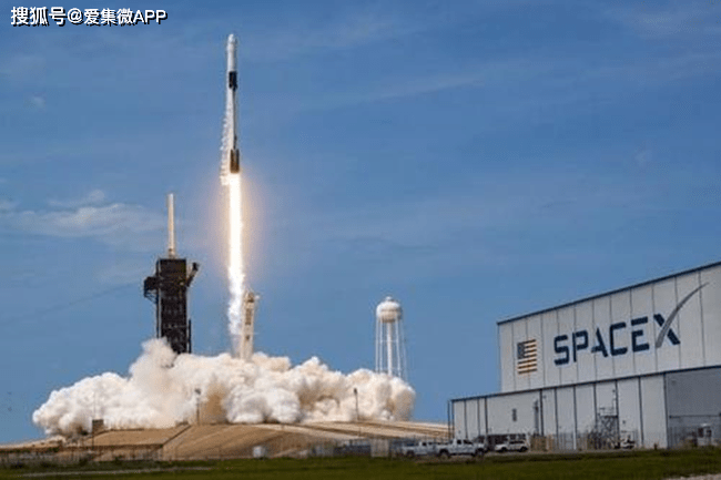 "SpaceX""星链""卫星突破1000颗,万亿美元市场待爆发"