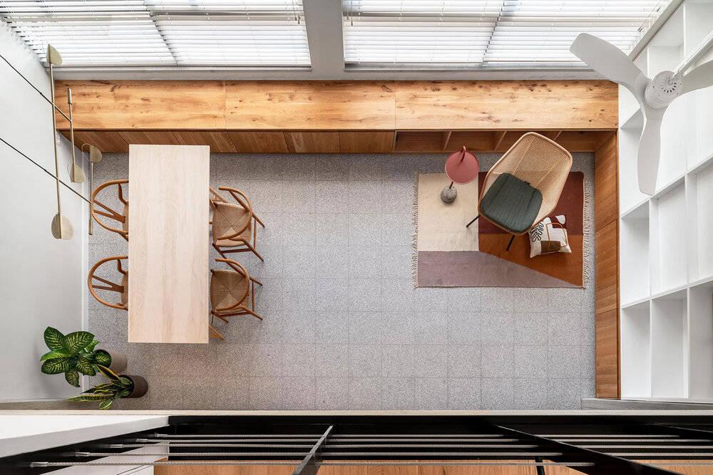 不要沙发不要电视墙,他家用去客厅化,换来了一个宽敞的休闲区