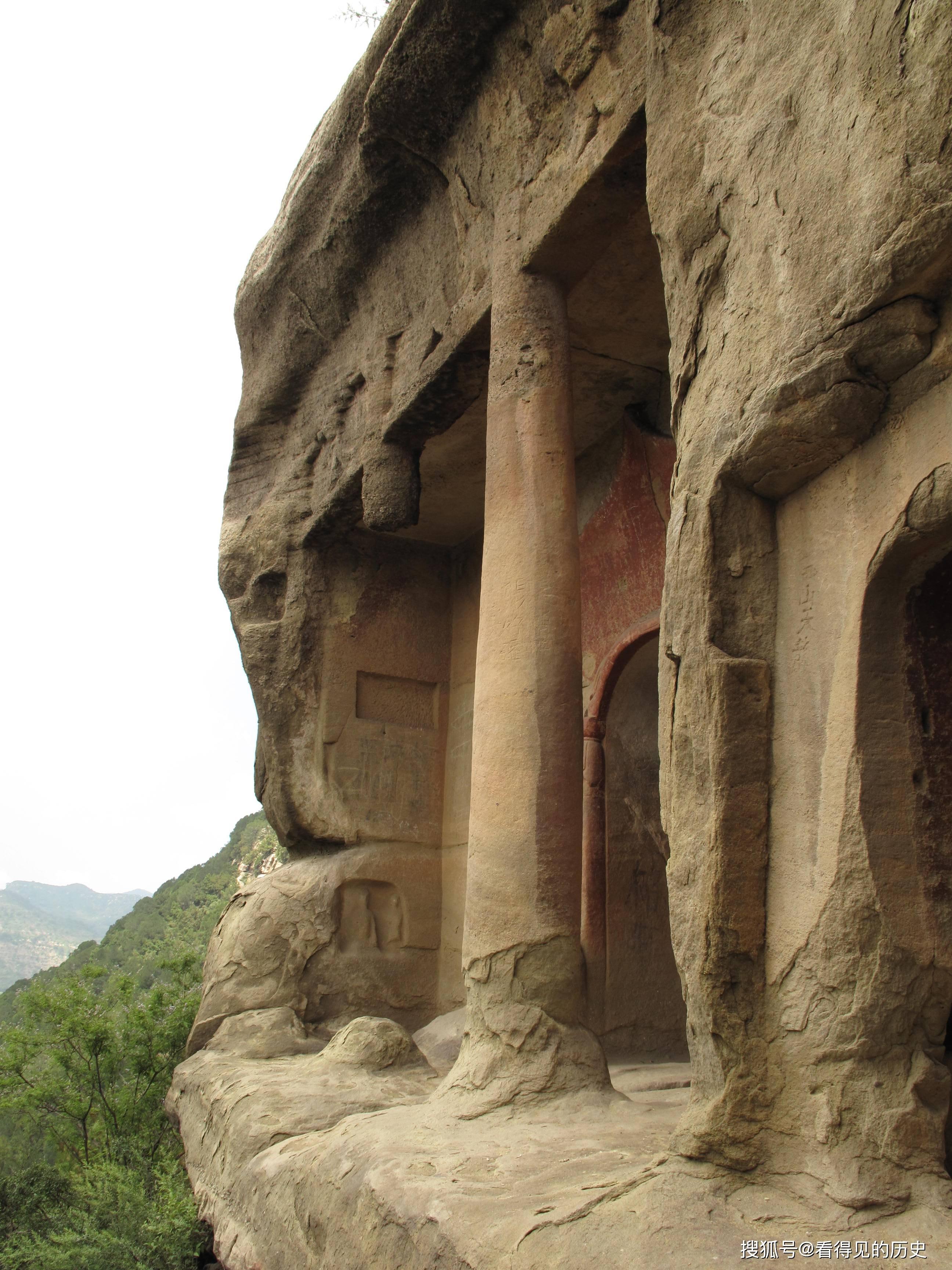 老照片 山西天龙山石窟第八窟今昔对比  第3张
