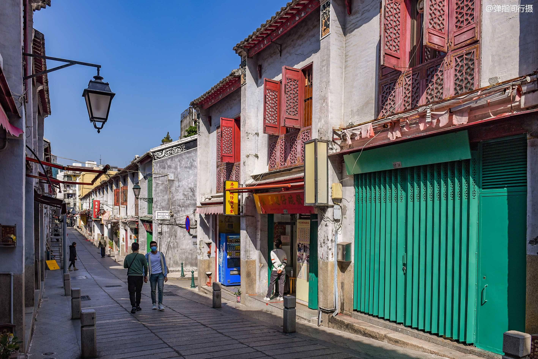 澳门有条百年老街,旧时是风花雪月之地,今成鲜为人知的文艺街区