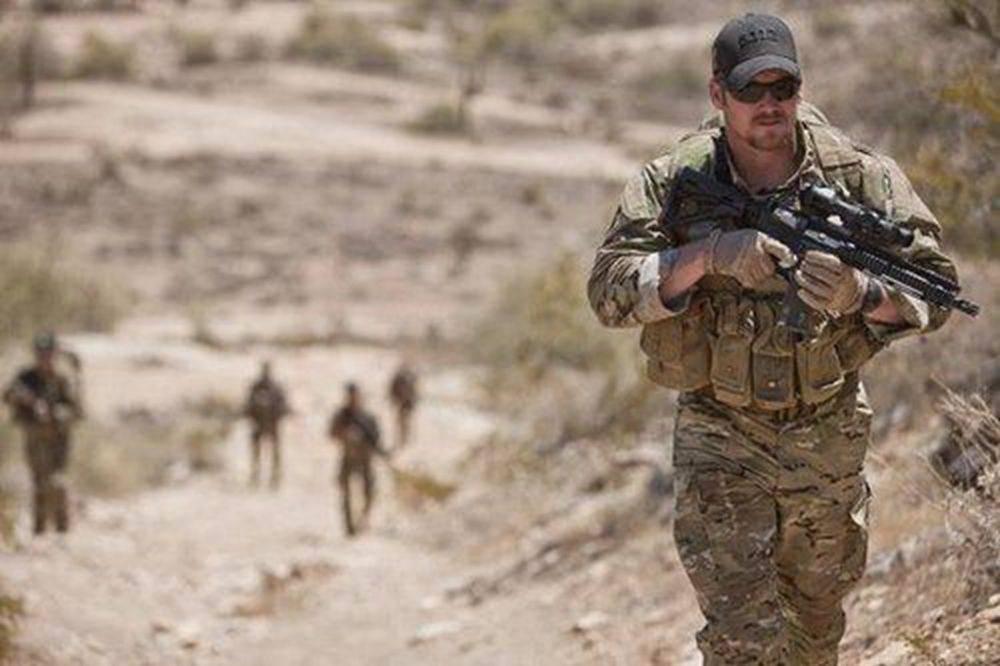 击毙255个敌人的美军超级狙击手:他曾当着孩子面击毙他的母亲