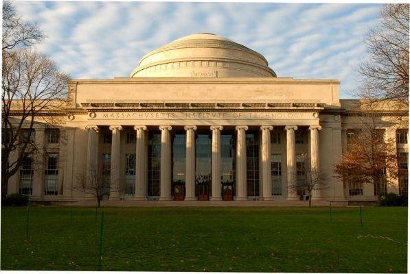 MIT录取率高的顶尖高中推荐~