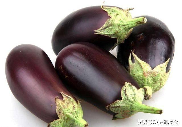 烧茄子不吸油的秘密找到了,牢记三个小技巧,烧茄子不油腻还美味