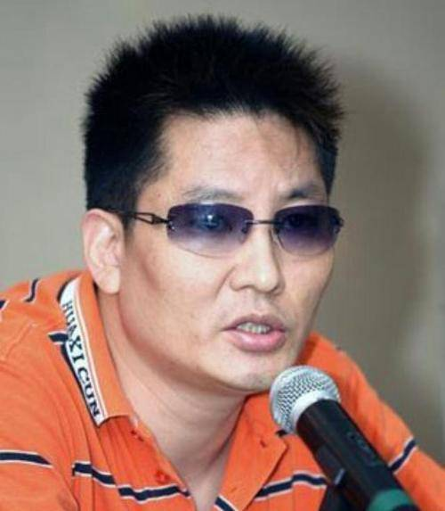 著名导演喊话贾玲:你好李焕英让你赚了35亿,你准备怎么花?  第2张