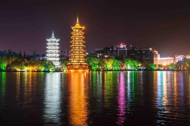 桂林两江四湖:中国山水的代名词,春节过后不如错峰出游吧!