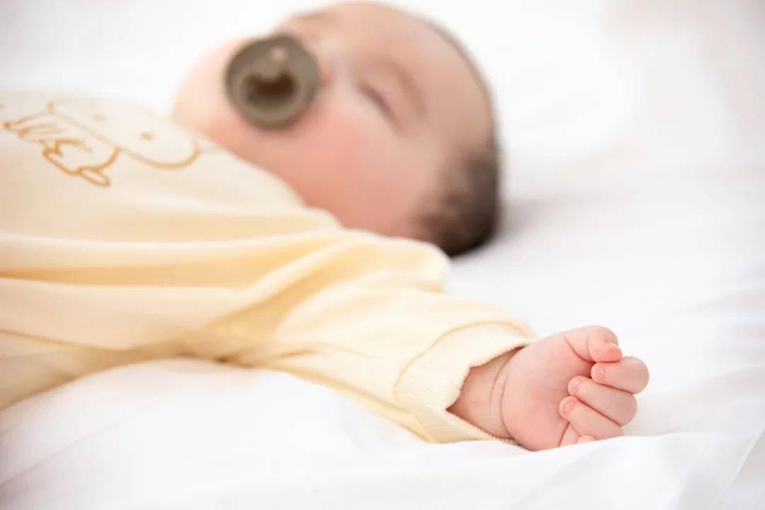 破解宝宝睡眠4大误区,还娃一个香甜的好梦