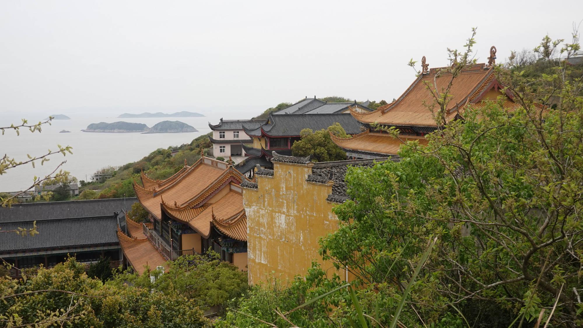 原创             中国最东边的海岛,有座千年寺庙,为什么渔村寺庙比较常见