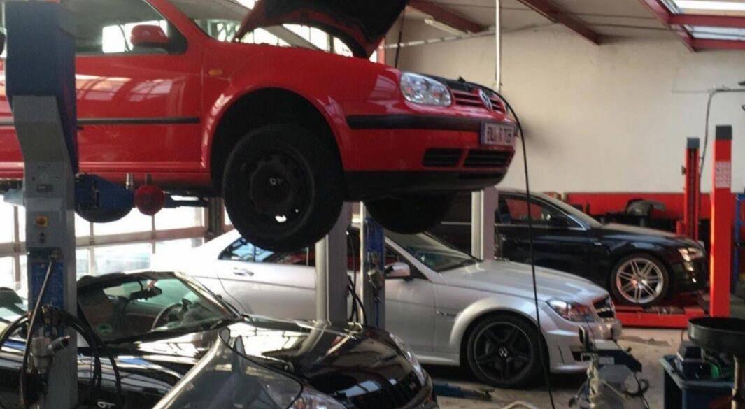 原厂私家车轮胎多久换一次?汽车修理工:不要超过这个时间,否则会很危险