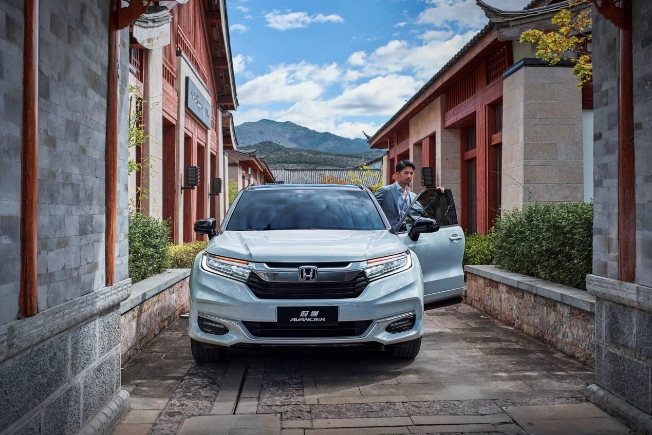 传统合资车长期以来一直是大型豪华SUV的首选,新冠路更受欢迎