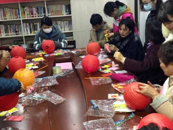 杭州市江干区丁兰街道多个公益组织开展庆元宵活动