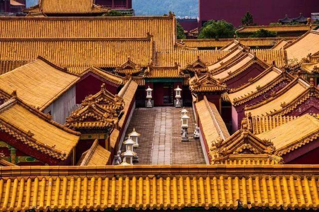 """中国最""""嚣张""""的山寨景区,门票是原景区的3倍,游客热度还很高"""
