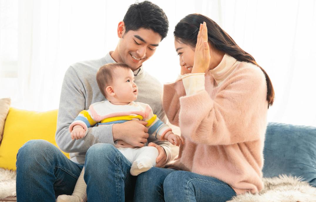 父母注意给孩子取名。这三种类型的名字都要注意。不好很容易伤自尊。