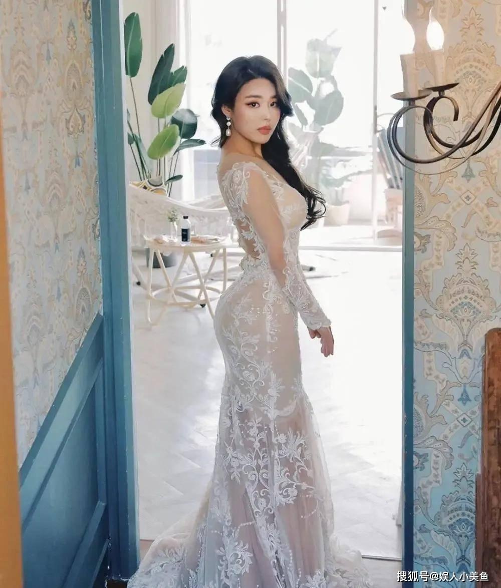 """原创             韩国美女赛车手,长相魅惑身材火辣,被称为""""性感小野猫"""""""