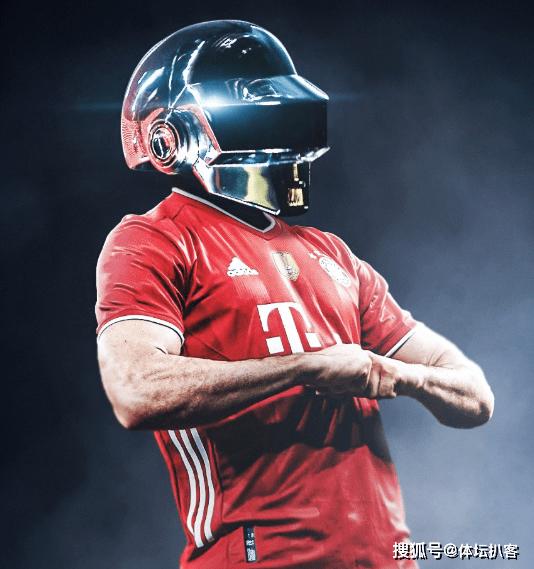 32场34球!拜仁6千万巨星创纪录,一夜反超梅西,冲德甲57年神迹
