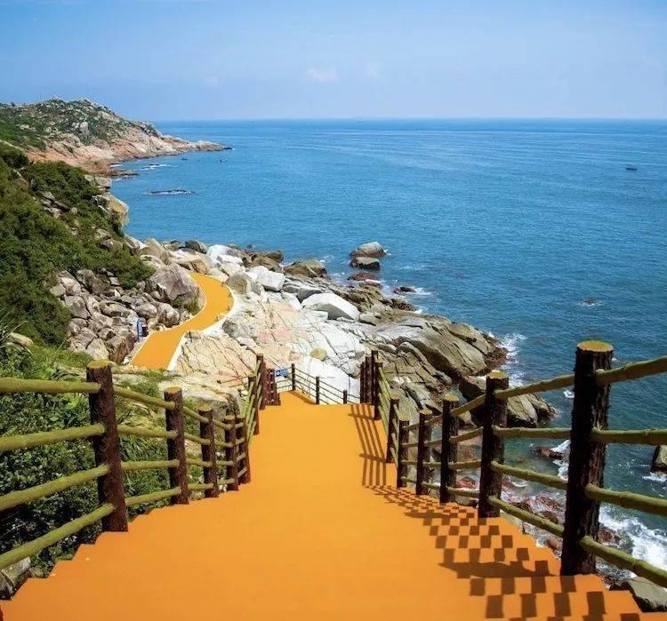 春季广东海边游,推荐醉美双月湾,打卡会仙桥、磨子石、悬崖礁石酒吧、情人堤
