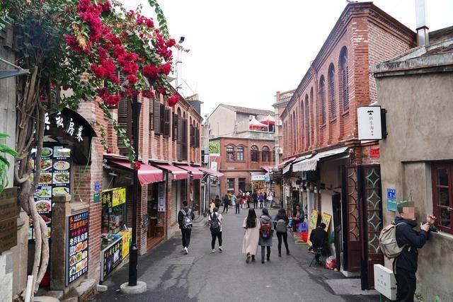 厦门必去的小岛景区,成文青朝圣地,最热闹的地方却是小吃街