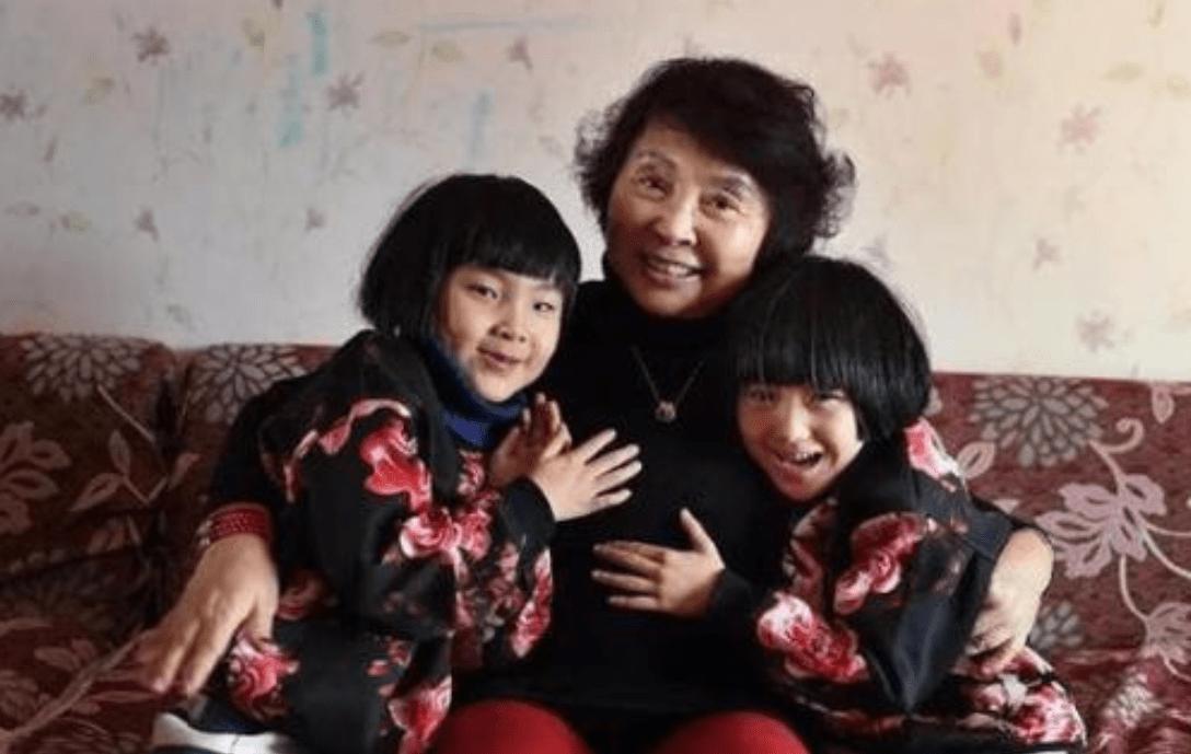 都是高龄生女,68岁田奶奶和71岁盛海琳差距太大,生娃不是闹着玩