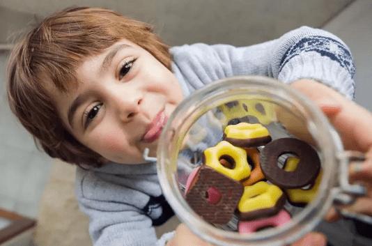 5种零食成分有损宝宝健康,家长们一定要小心!