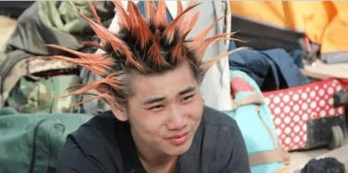 大妈重金做新发型,效果让人不淡定,网友:还是买顶假发吧