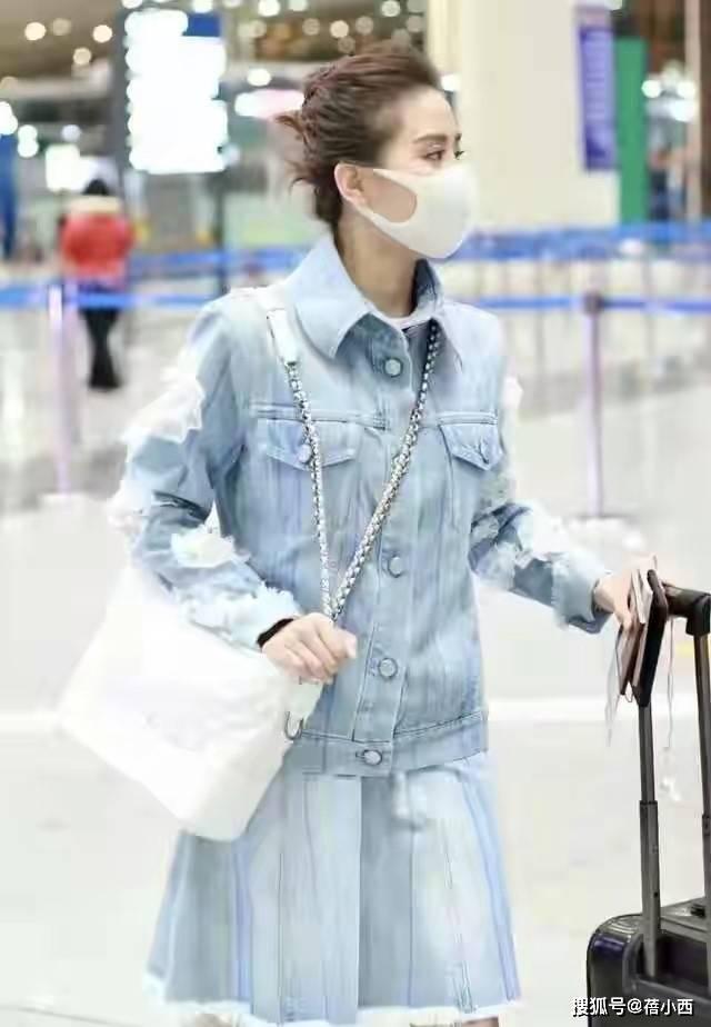 吴奇隆小娇妻刘诗诗真uwin电竞游戏洋气,剪了短发穿夹克,