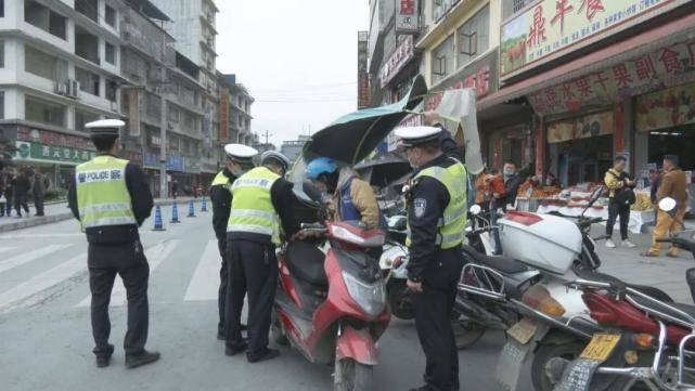 注意啦!榕江交警开展为期3个月摩托车专项治理行动