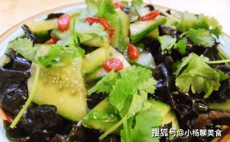 黄瓜和此物一起拌,夏天要多吃,排毒减肥,养颜护肤,女性最喜欢