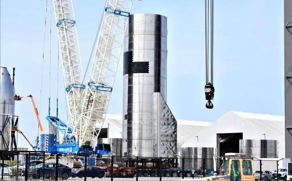 星际飞船迎来重大升级!寄托马斯克的希望,发射塔也在加紧建造  第2张