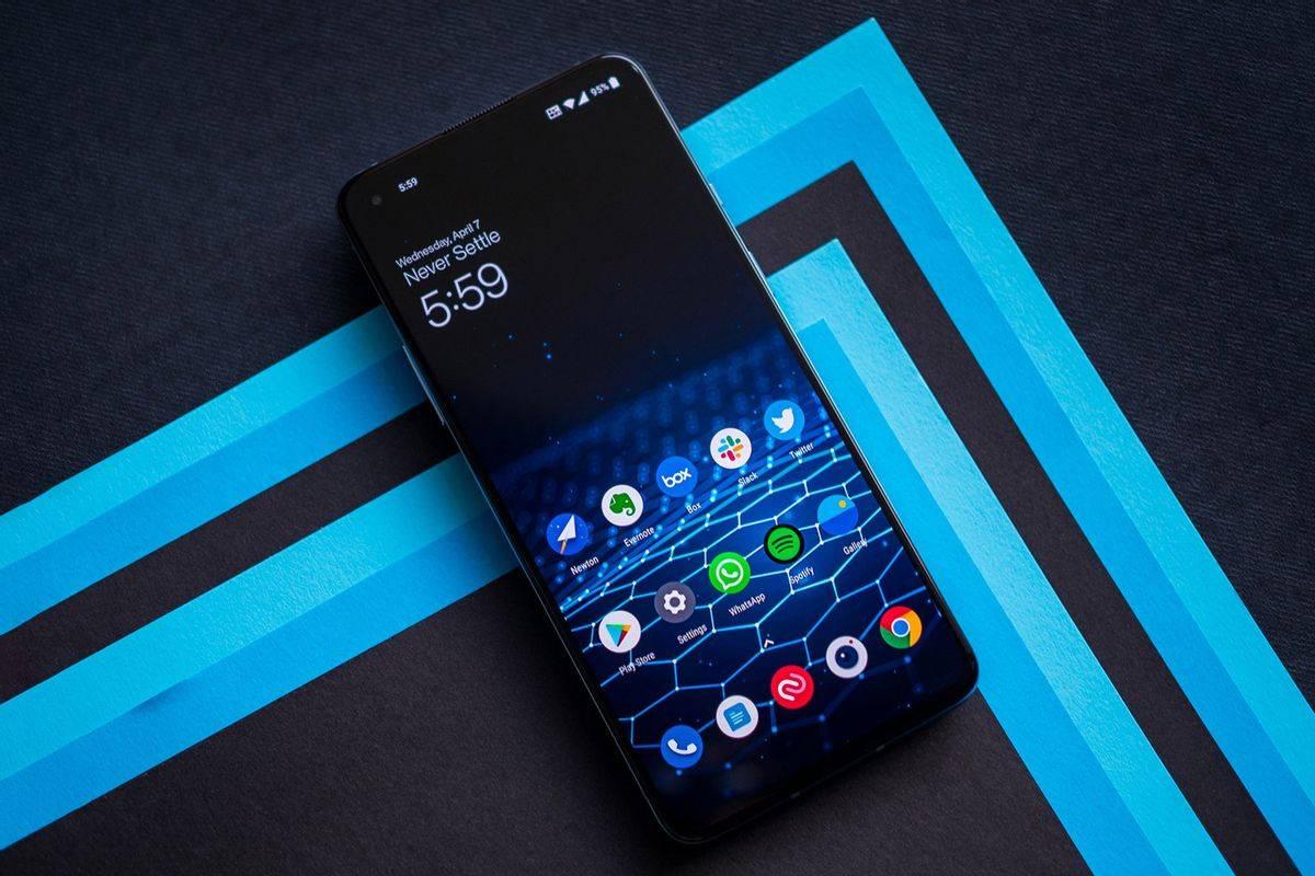 一加旗舰手机塑料中框引热议:骁龙870新品将至,材质反而更高档