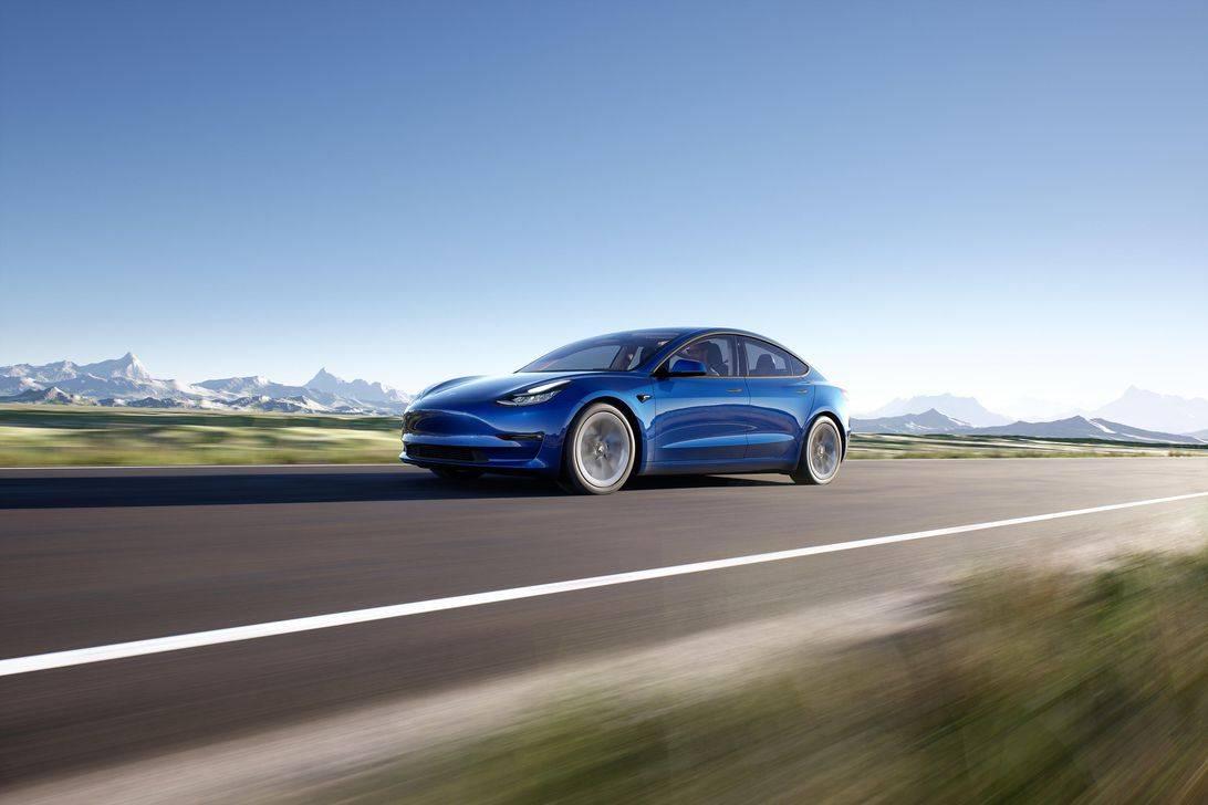 特斯拉为电动汽车双倍收费的客户退款