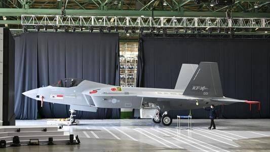 KF-X原型机下线,是韩国人的骄傲,与隐形战斗机仍有一定差距