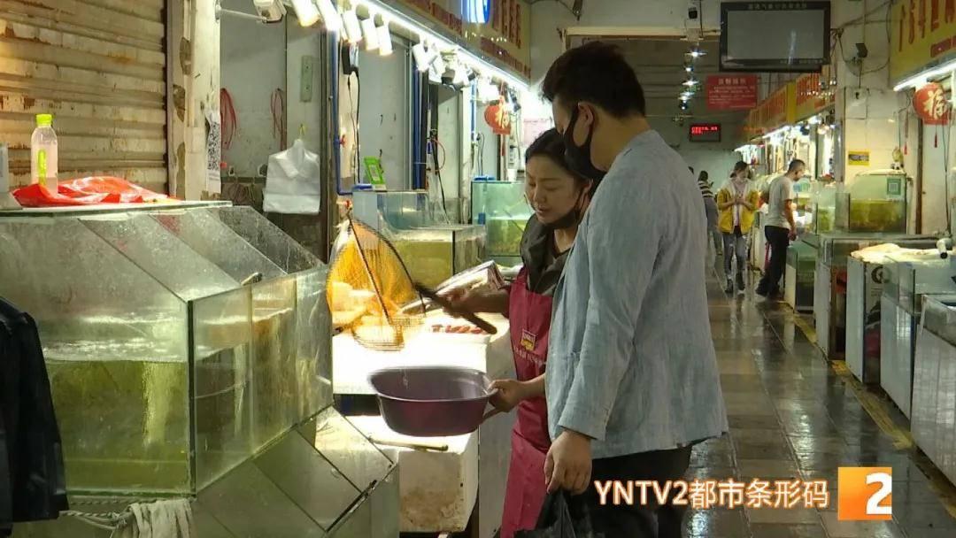 售价约65至70元一公斤必发365,昆明内地小龙虾上市啦!