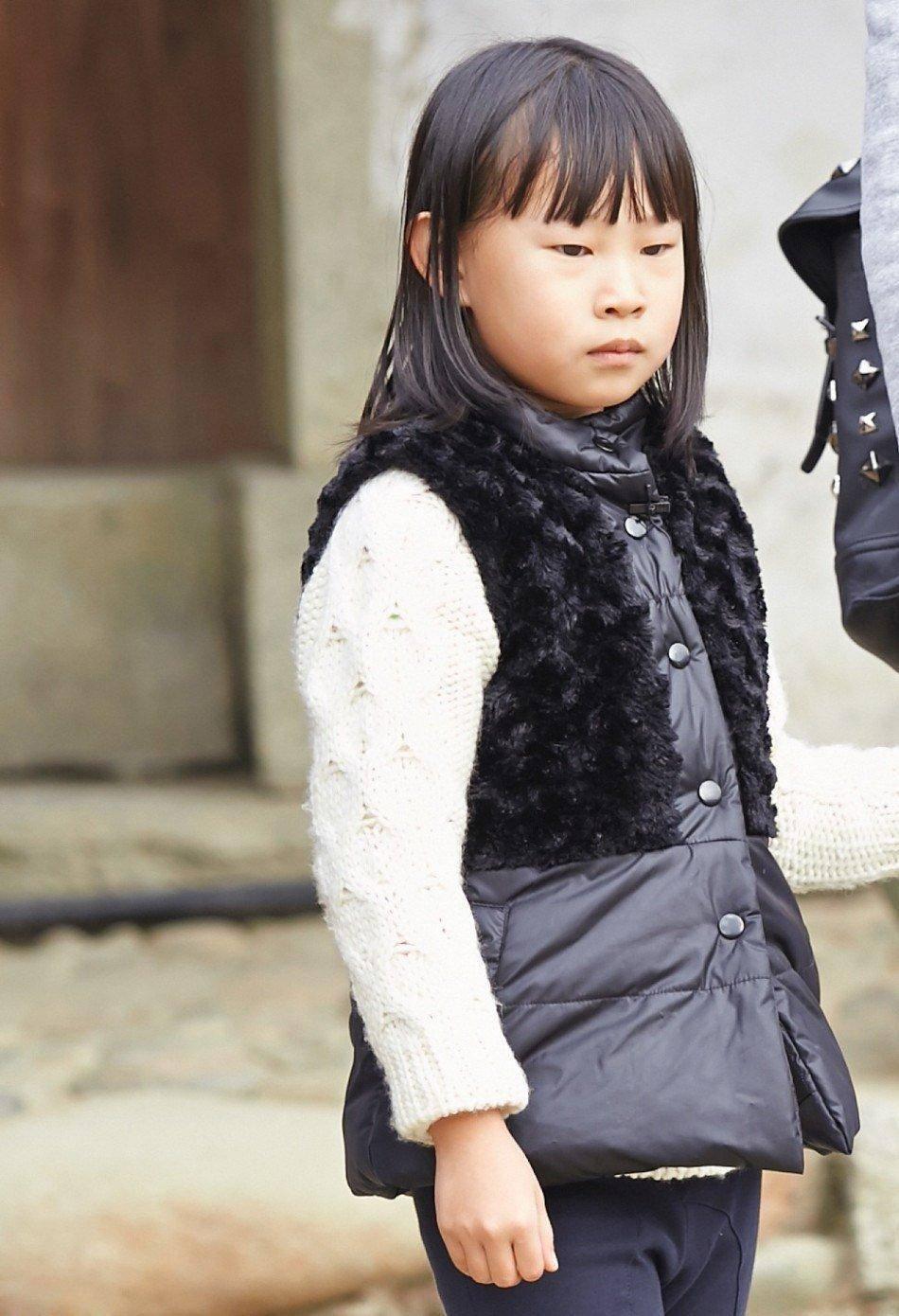 """小沈阳女儿""""整容式""""长大,曾经因丑遭网暴,长大后神似韩国女星  第4张"""