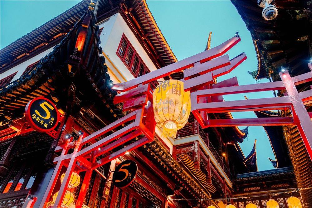 原创             上海最火步行街之一,古典与商业的结合,更是吃货最爱的地方