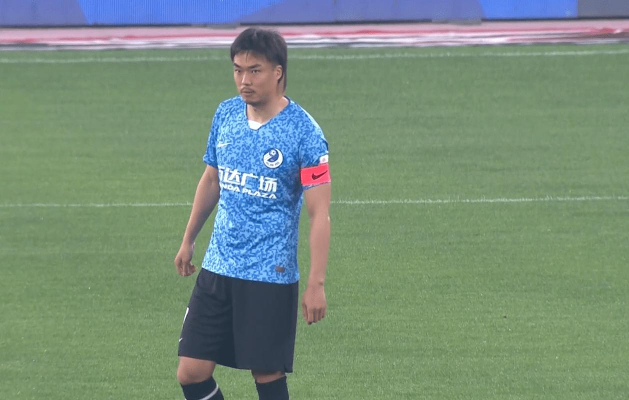 """0-1!中超巨大争议,赵旭日""""被动""""送点,大连人遭遇两连败"""