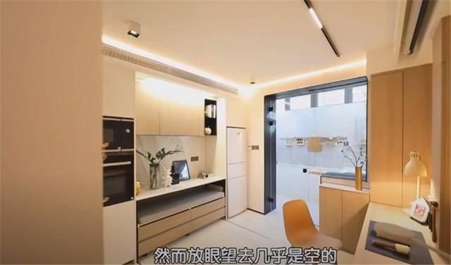 一家四口蜗居北京35㎡半地下房,终日无光,洗菜做饭全在卫生间?  第24张