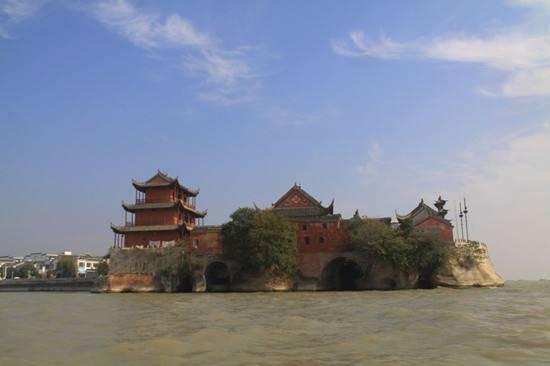 天下泉城济南市的2021年一季度GDP排名情况如何?