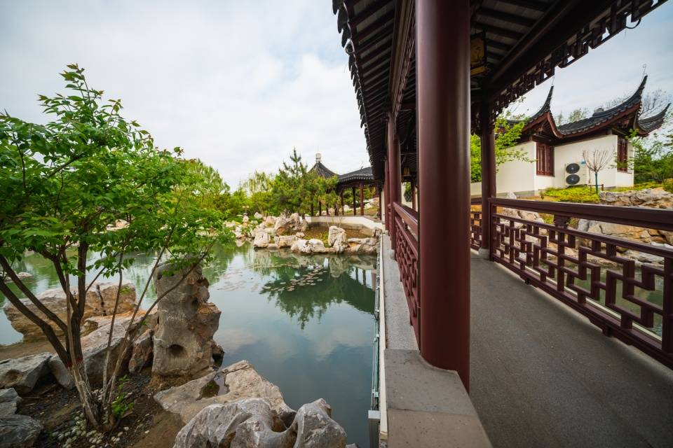 看美景、品美食、玩穿越,何必东奔西走,唐山南湖一站全包了